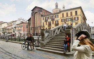 Βόλτα στο κανάλι Naviglio Grande, το παλαιότερο του Μιλάνου. © Annette Schreyer/laif
