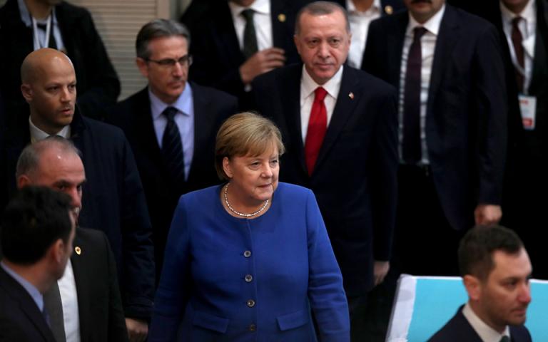 Στην Τουρκία για συνομιλίες με Ερντογάν η Αγκελα Μέρκελ