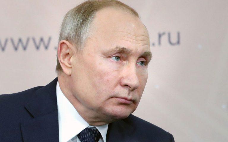 Πούτιν: «Στη χώρα αρμόζει μια ισχυρή προεδρική δημοκρατία»