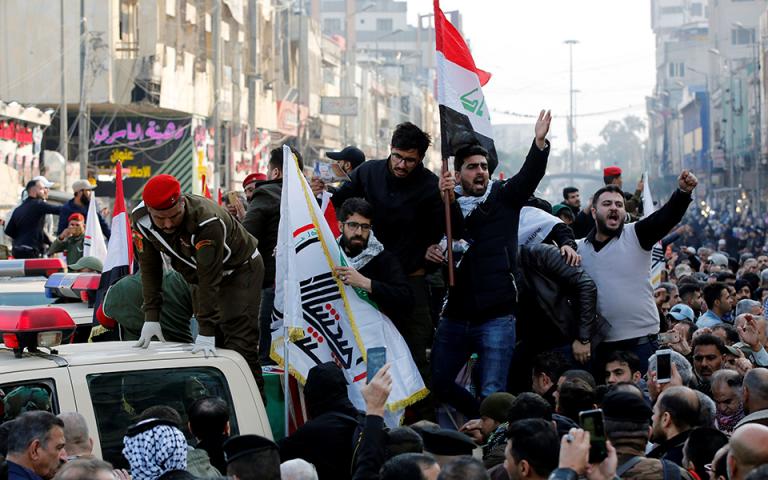 Χιλιάδες άνθρωποι στους δρόμους της Βαγδάτης για τη νεκρική πομπή του Σουλεϊμανί