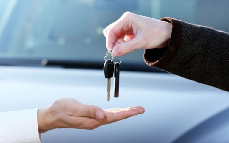 Ψηφιοποιούνται 13 διαδικασίες για οδηγούς και οχήματα
