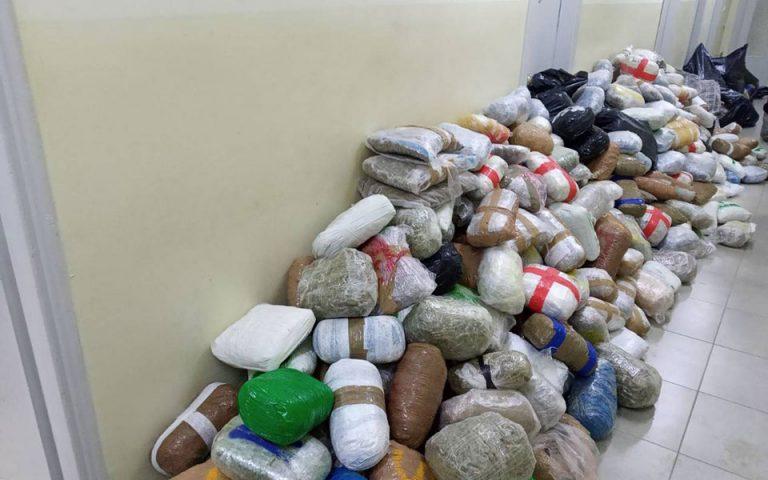 Εντοπίστηκε φορτηγό με 800 περίπου κιλά κάνναβης στην Ηγουμενίτσα – Δύο συλλήψεις