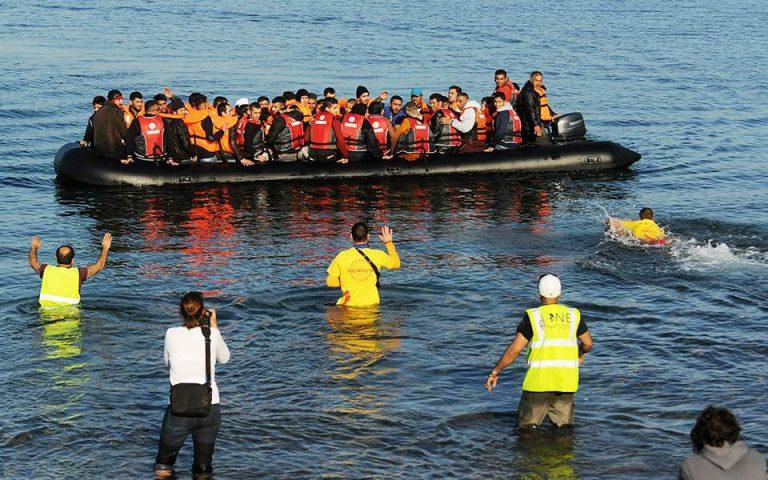 Καμία αντιπρόταση από τα νησιά μέχρι στιγμής αναφέρουν πηγές του υπ. Μετανάστευσης