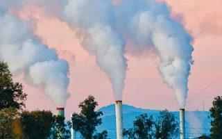 Στον αντίποδα, στις ταχύτατα αναπτυσσόμενες οικονομίες της Ασίας οι εκπομπές αυξήθηκαν κατά 320 εκατ. τόνους.