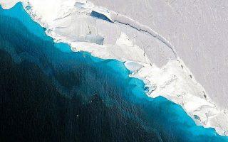 Τμήμα του Παγετώνα Τhwaites, που διόλου τυχαία ονομάστηκε «Παγετώνας της Ημέρας της Κρίσεως», όπως φαίνεται από δορυφόρο της NASA. Λιώνει με ρυθμούς που έχουν προκαλέσει μεγάλη ανησυχία στους ειδικούς. NASA/OIB/JEREMY HARBECK/NEW YORK TIMES