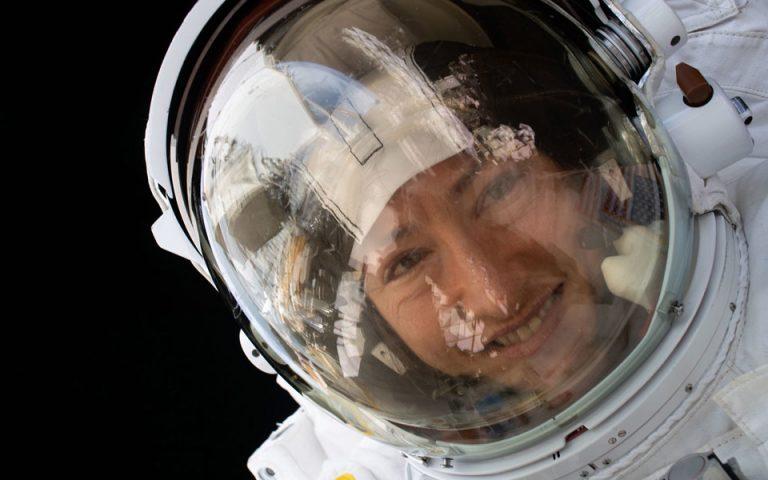 Κριστίνα Κόουκ: Η αστροναύτης της ΝΑΣΑ που κατέρριψε το ρεκόρ παραμονής στο διάστημα