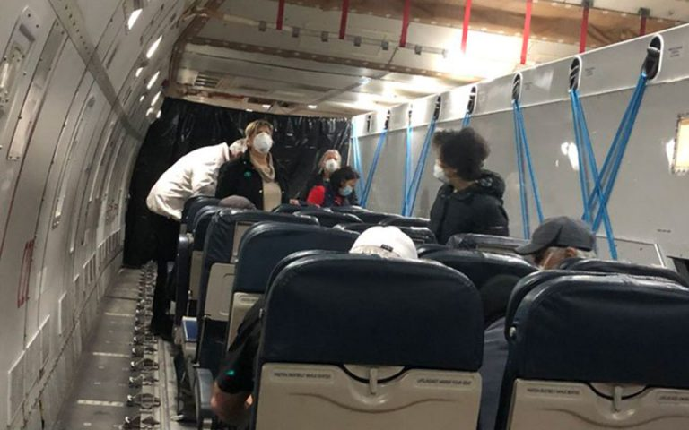 Κορωνοϊός: Επαναπατρισμός Αμερικανών που βρίσκονταν στο Diamond Princess – Φωτογραφία από το αεροσκάφος