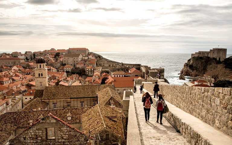Nτουμπρόβνικ: Βόλτα στο King's Landing