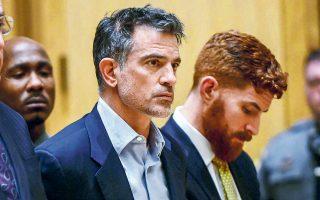 Ο Φώτης Ντούλος στο Ανώτατο Δικαστήριο του Στάμφορντ, στο Κονέκτικατ, στις αρχές Ιανουαρίου, λίγες εβδομάδες πριν από την αυτοκτονία του.
