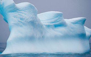 Η Aνταρκτική περιέχει το 70% των παγκόσμιων αποθεμάτων γλυκού νερού με τη μορφή χιονιού και πάγου. Η τήξη του συνόλου των πάγων θα σημάνει την άνοδο της στάθμης των θαλασσών κατά 50 με 60 μέτρα.