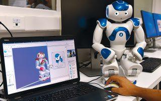 Ισχυροί αλγόριθμοι, μεγάλα δεδομένα, εύρωστα συστήματα επεξεργασία φωνής συνεργάζονται για την παραγωγή φυσικής ανθρώπινης φωνής από ρομπότ.
