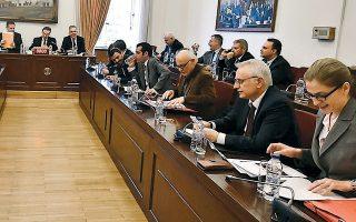 Ολα όσα έχουν διαδραματιστεί κατά τις έως τώρα συνεδριάσεις της επιτροπής εξακολουθούν να τροφοδοτούν με αμείωτη ένταση το πολιτικό σκηνικό.