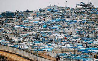 Καταυλισμός εκτοπισμένων Σύρων στο Ατμα της επαρχίας Ιντλίμπ, στη συριακή πλευρά των συνόρων με την Τουρκία.