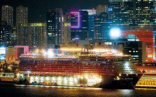 Οι 3.600 επιβάτες του κρουαζιερόπλοιου «World Dream» θα παραμείνουν σε καραντίνα εντός του πλοίου, που βρίσκεται ελλιμενισμένο στο Χονγκ Κονγκ, μέχρι να ανακοινωθούν τα αποτελέσματα των εξετάσεων για τον εντοπισμό κρουσμάτων του νέου κορωνοϊού.