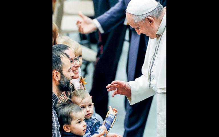 Την αγαμία των κληρικών διατηρεί ο Πάπας