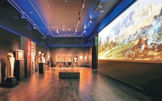 Είκοσι έξι επιλεγμένες αρχαιότητες (22 μαρμάρινα γλυπτά και ανάγλυφα, 2 πήλινα αγγεία, 2 χάλκινα ειδώλια) από τις συλλογές του Εθνικού Αρχαιολογικού Μουσείου παρουσιάζονται στην έκθεση «Δι' αυτά πολεμήσαμεν. Αρχαιότητες και Ελληνική Επανάσταση».