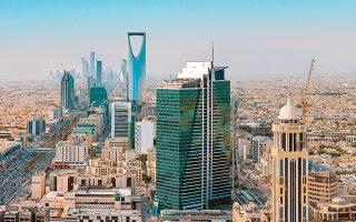 Μολονότι έχουν χαλαρώσει οι περιορισμοί στους τρόπους διασκέδασης, το Ριάντ δεν μπορεί ακόμη να συγκριθεί με το Ντουμπάι.