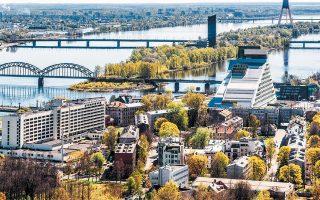 Στη Λετονία εδρεύει η Mintos Marketplace AS, η οποία ιδρύθηκε το 2015 και, σύμφωνα με τη βρετανική εταιρεία ερευνών Brismo, ελέγχει τα 2/3 της νέας αγοράς δανεισμού peer-to-peer, αξίας 6,4 δισ. ευρώ.