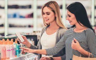O τζίρος σε παραποιημένα αρωματικά και καλλυντικά προϊόντα ανέρχεται παγκοσμίως στα 5,4 δισ. δολάρια.