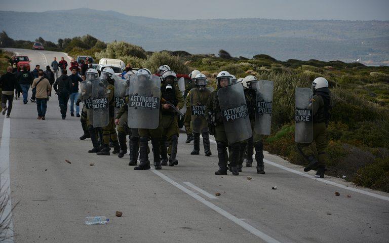 ΕΛΑΣ για τα γεγονότα σε Λέσβο και Χίο: «Eκνομες ενέργειες δεν γίνονται ανεκτές»