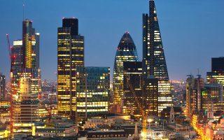 Η στάση του Λονδίνου αντανακλά την εντεινόμενη ανησυχία των εταιρειών του City, οι οποίες είναι πιθανό να εξυπηρετήσουν τους Ευρωπαίους πελάτες τους.