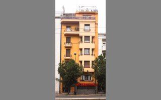 Η πολυκατοικία του 1932 στη Συγγρού 52, έργο των Οδυσσέα Πουσκουλού και Ιωάννη Πυρπινιά.