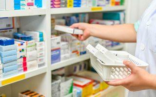 Πηγές της αγοράς υπολόγισαν ότι οι παράλληλες εξαγωγές έφθασαν πέρυσι τα 400 εκατ. ευρώ, ενώ οι παράνομες εξαγωγές με πώληση φαρμάκων από τα φαρμακεία πλησιάζουν τα 350 εκατ. ευρώ.