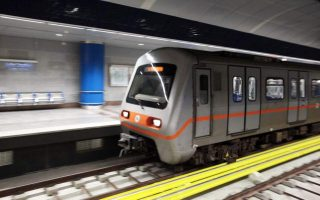 anastoli-sta-nychtoperpatimata-metro-tram0