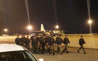 Η ειδική ομάδα 22 Κυπρίων αστυνομικών της Μηχανοκίνητης Μονάδας Αμεσης Δράσης αναχωρεί από τη Λάρνακα με προορισμό τον Εβρο.