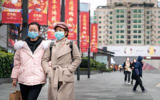 Με εκτεταμένες φοροαπαλλαγές αλλά και παροχές στα φτωχά νοικοκυριά ετοιμάζεται το Πεκίνο να τονώσει την ιδιωτική κατανάλωση.