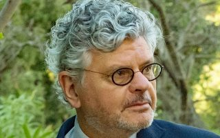 Ο Μισέλ Φουσέ έχει διατελέσει διπλωματικός σύμβουλος του Φρανσουά Μιτεράν, καθηγητής στην Ecole Normale Superieure, πρεσβευτής της Γαλλίας στη Λετονία, και διευθυντής Σπουδών στο Ινστιτούτο Ανωτάτων Σπουδών Εθνικής Αμύνης της χώρας του.