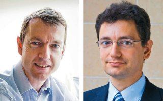 Ο Γερμανός επικεφαλής του ευρωπαϊκού think tank CEPS Ντάνιελ Γκρος (αριστερά) και ο Γάλλος οικονομολόγος των think tanks Bruegel στις Βρυξέλλες και Peterson στην Ουάσιγκτον Νικολά Βερόν.