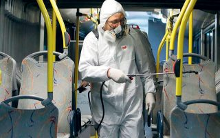 Ο ΟΑΣΑ διενεργεί πρόσθετες απολυμάνσεις για την προστασία επιβατικού κοινού και εργαζομένων, σύμφωνα με τις οδηγίες του ΕΟΔΥ.