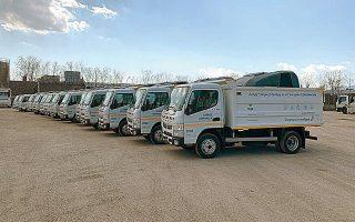 35 καινούργια πλυστικά μηχανήματα και 10 νέες υδροφόρες παρέλαβε ο Δήμος Αθηναίων. Θα «πιάσουν» δουλειά από Δευτέρα.
