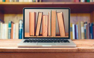 Με τα social media, παραγγελίες μέσω messenger και εμπλουτισμό των ψηφιακών βιβλιοπωλείων απαντούν οι εκδότες.