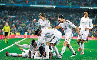 Η Ρεάλ Μαδρίτης επικράτησε 2-0 της Μπαρτσελόνα και επανέφερε την ηρεμία στις τάξεις της ύστερα από μια πολύ δύσκολη περίοδο.
