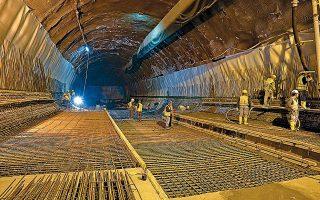 Το υπ. Υποδομών εξετάζει το ενδεχόμενο να τεθούν περιορισμοί στη λειτουργία των εργοταξίων στις επεκτάσεις του μετρό εξαιτίας της πανδημίας.