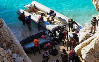 Επιστροφές λέμβων στα παράλια της Αττάλειας. INTIME NEWS