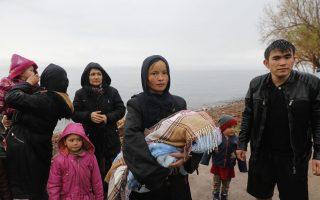 Την περασμένη Πέμπτη έφτασαν στη Λέσβο με φουσκωτή βάρκα από τα τουρκικά παράλια 42 άνθρωποι έπειτα από κάποιες ημέρες μηδενικών ροών. (Φωτογραφία: Γιώργος Μουτάφης)