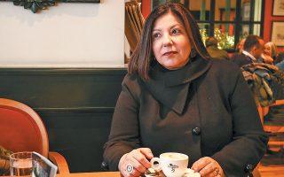 «Κανένα βιβλίο μου δεν είναι τέλειο, γιατί εγώ δεν είμαι τέλεια», λέει η Ιωάννα Μπουραζοπούλου. ΝΙΚΟΣ ΚΟΚΚΑΛΙΑΣ