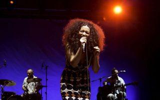 Στις ηχογραφήσεις του κύκλου συναυλιών Jazz Chronicles του ΚΠΙΣΝ συναντάμε και την τραγουδίστρια και μουσικό Sugahspank.