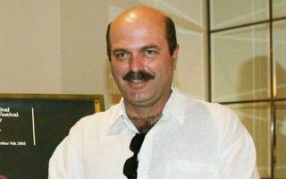 Ο Γιάννης Καραχισαρίδης υπέγραψε σκηνοθετικά τουλάχιστον 70 παραστάσεις.