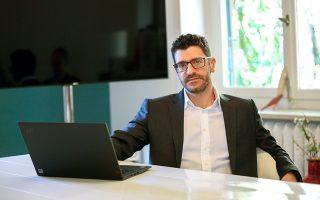 Γιάννης Χουρδάκης, Διευθυντής Πωλήσεων για τον Tομέα Mικρομεσαίων Eπιχειρήσεων (SMB) της Lenovo