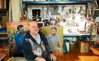 Ο καλλιτέχνης ποζάρει για τον ιατρό Νίκο Παΐσιο.