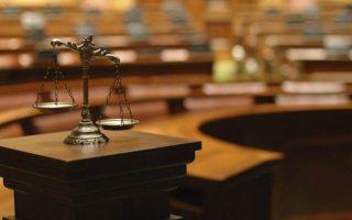 Διευρύνεται η ποινική μεταχείριση όσων εμπλέκονται σε τρομοκρατικές δράσεις.