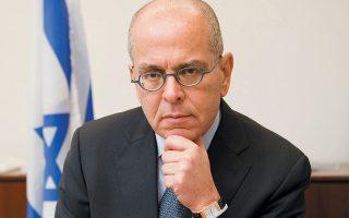 «Υπάρχουν πολλές προβλέψεις για ένα νέο κύμα του ιού το φθινόπωρο. Θα είμαστε καλύτερα προετοιμασμένοι;», αναρωτιέται ο πρέσβης του Ισραήλ στη χώρα μας.