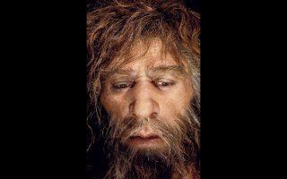 Το πρόσωπο ενός Νεάντερταλ απεικονίζεται σε σπηλιά, στο Μουσείο Νεάντερταλ της κροατικής  πόλης Κραπίνα.