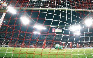 Μία έξτρα περίοδο μεταγραφών μέσα στη σεζόν 2020-21 φέρεται να μελετά η FIFA, δεδομένης της αναπροσαρμογής του καλανταρίου της λόγω του παρόντος «παγώματος» κάθε ποδοσφαιρικής δραστηριότητας.