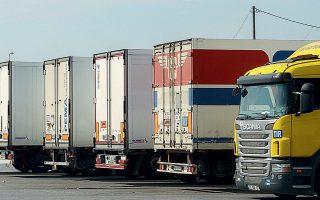 Ακόμη και όσοι πραγματοποιούν μεταφορές, το πράττουν υπό αντίξοες συνθήκες, λέει ο Πέτρος Σκουλικίδης, πρόεδρος του Πανελληνίου Συνδικάτου Χερσαίων Εμπορευματικών Μεταφορών (ΠΣΧΕΜ).