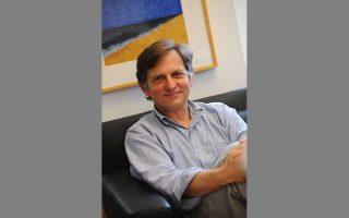Ο καθηγητής Επιδημιολογίας και επικεφαλής του Κέντρου Λοιμώξεων και Ανοσολογίας του Πανεπιστημίου Κολούμπια, Γουόλτερ Iαν Λίπκιν, ήταν ο επιστημονικός σύμβουλος πίσω από την προφητική ταινία «Contagion» (2011).